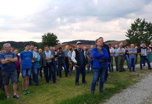 Betriebsbesichtigung und Feldbegehung bei Martin Rumpel in Bruckmühl-Wiechs